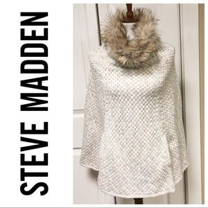 STEVE MADDEN SWEATER PONCHO WITH FAUX FUR COLLAR